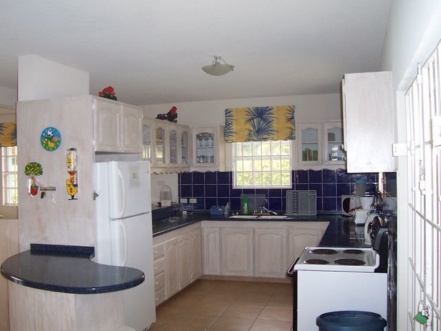 навесной шкаф на кухню купить в москве